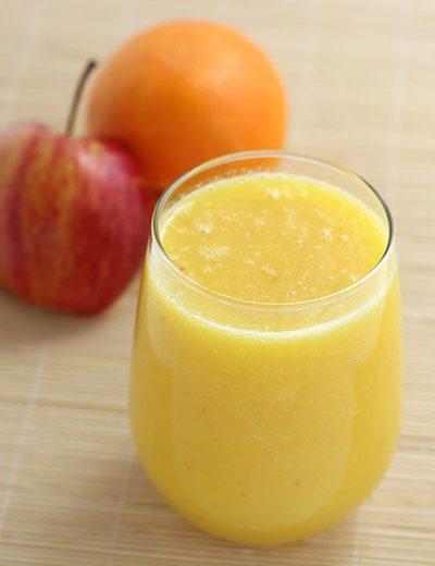 Succo di frutta arancia mela e cavolo