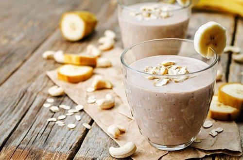 Frullato banana e avena proteine sane