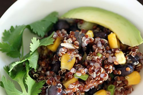 Proteine alternative alla carne: quinoa