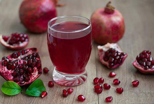 Quanto succo di melograno bere al giorno?