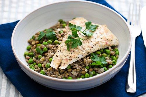 Quali alimenti forniscono 30 grammi di proteine?