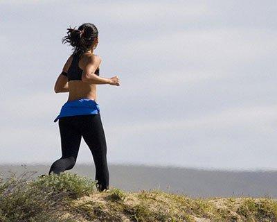 Includi degli esercizi cardio per perdere grasso