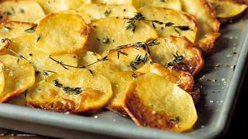 Teglia di patate cotte al forno