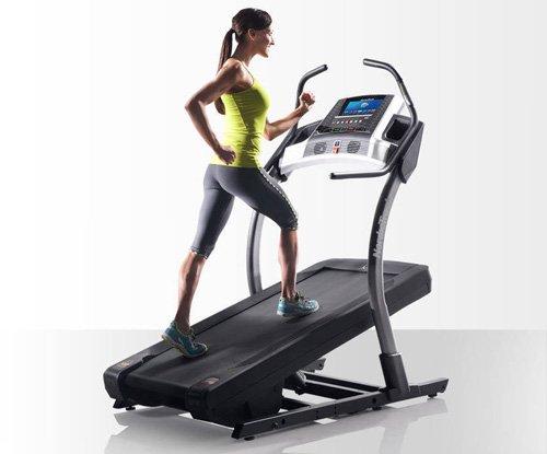 Aumentare la pendenza ti permette di costruire i muscoli dei glutei e quelli posteriori della coscia.